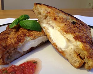 Fried mozzarella sandwich