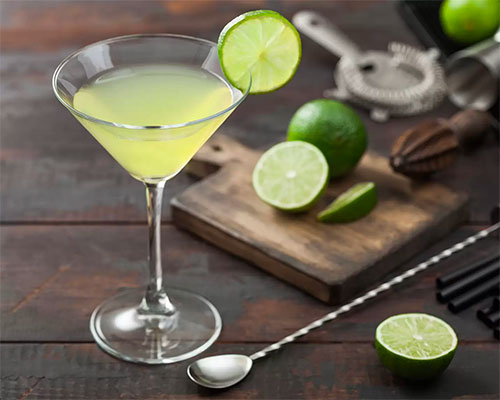 Gimlet cocktail