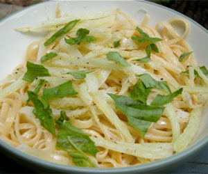 Linguine with fried fennel