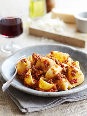 Lumaconi with ragout