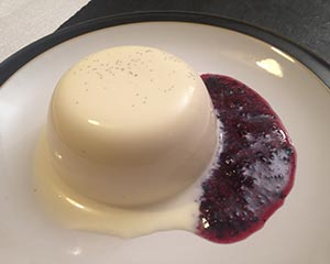 panna cotta blueberry sauce
